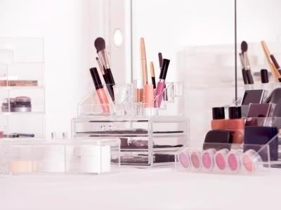 Make-up organizers
