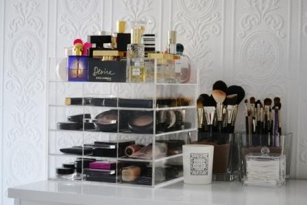 Make up opbergen action
