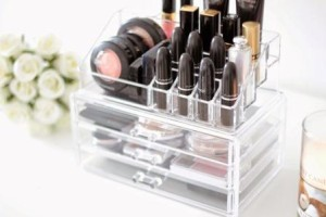 Luxe make-up organizer Loving Life is Easy